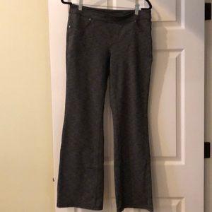 Athleta flare leg yoga pants with back pockets